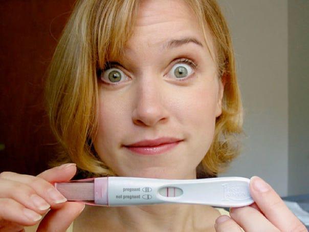 """Que thử thai 1 vạch đậm 1 vạch rất mờ liệu có """"tin vui""""?"""